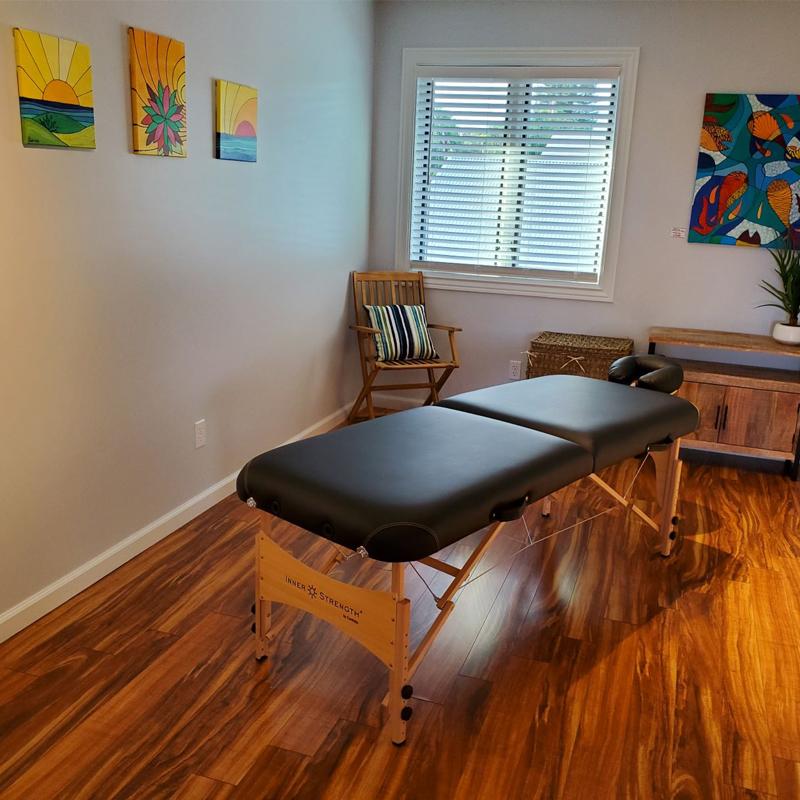 maui wellness massage treatment room